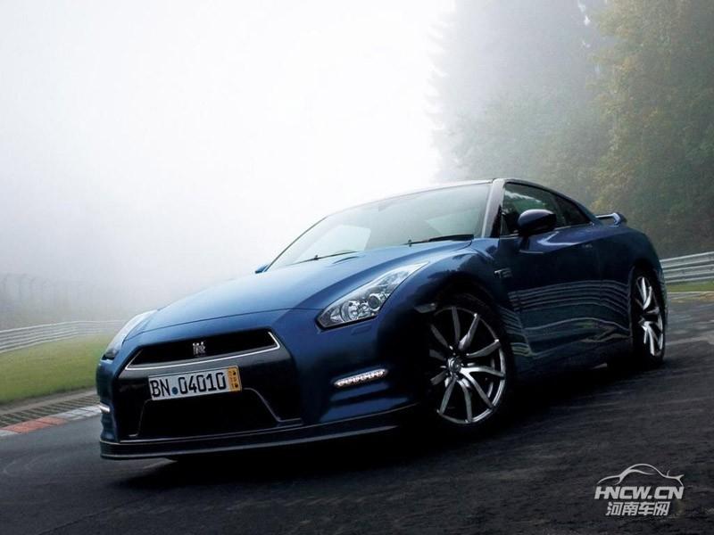 2013款日产GT-R 外观